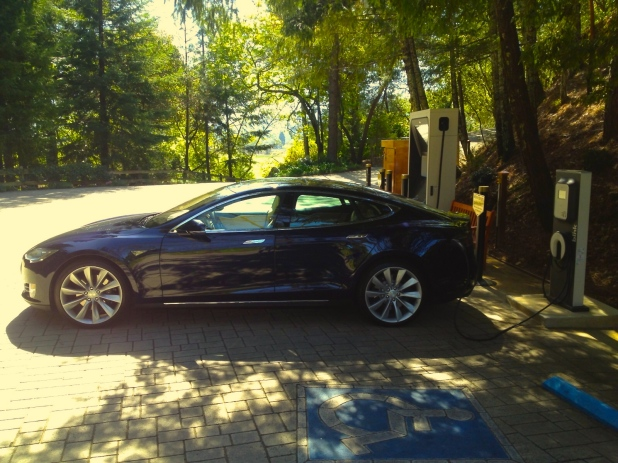 Blue_Tesla_Charging_Tinted